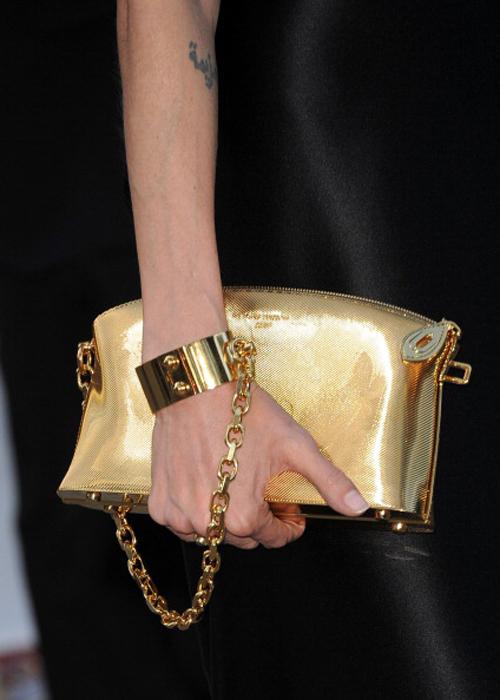 Los 10 accesorios más extraños de los famosos